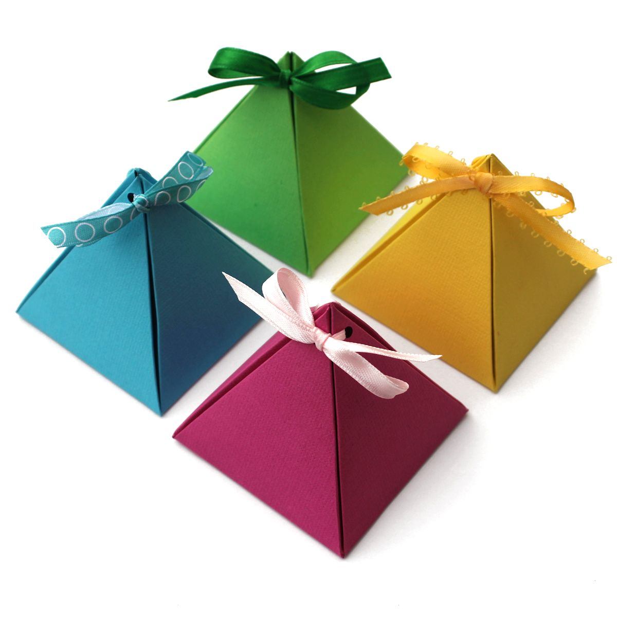 paper pyramid gift boxes lines across