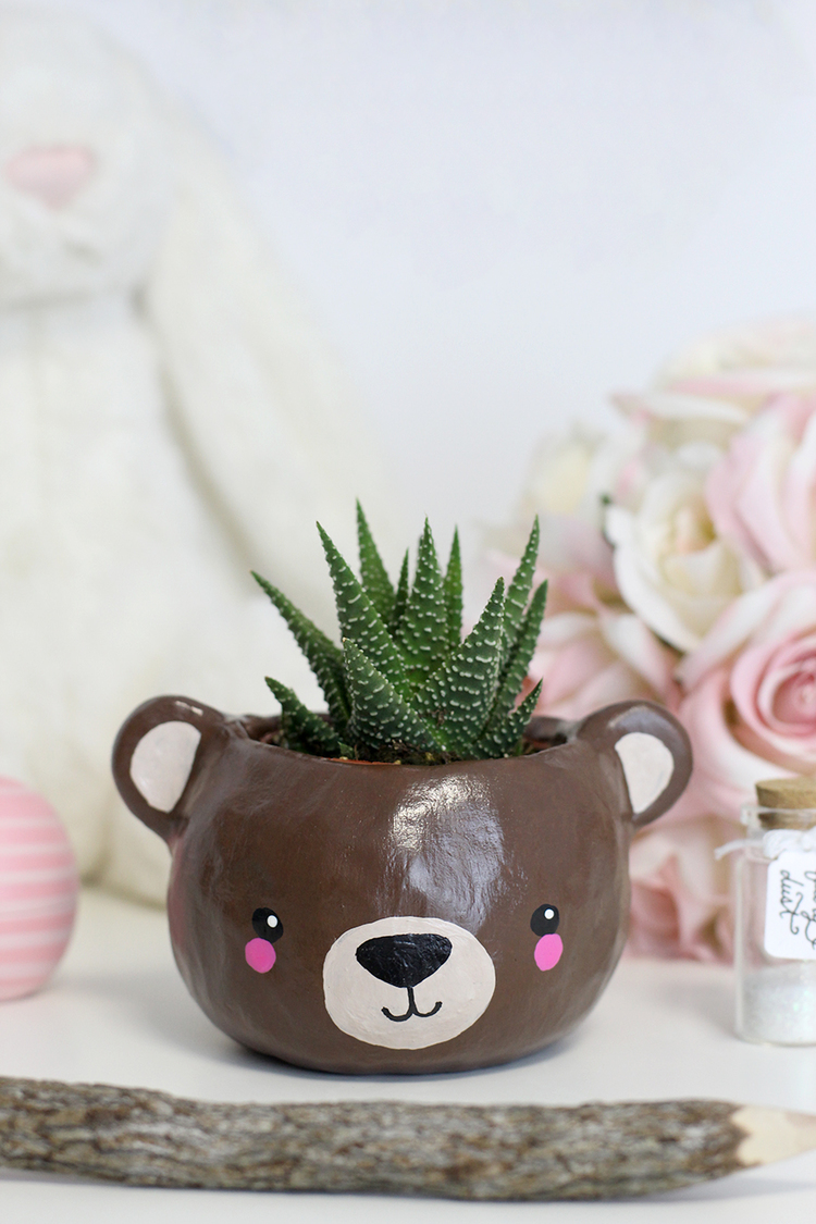 1 bear planter